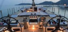 阻燃型碳纤维复材在游艇中的应用优势