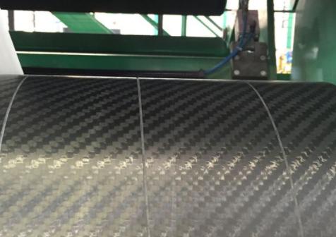 <b>碳纤维辊在造纸机械中的应用优势</b>
