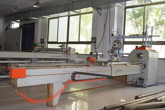 无锡智上碳纤维生产设备——薄膜缠绕机