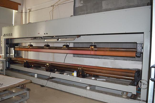 无锡智上碳纤维生产设备——卷管机2