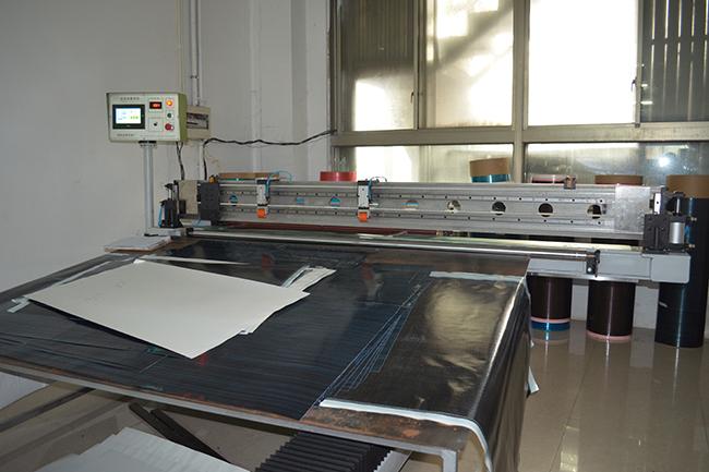 碳纤维生产设备——割料机