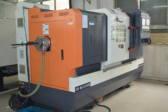 碳纤维生产设备——CNC机床2