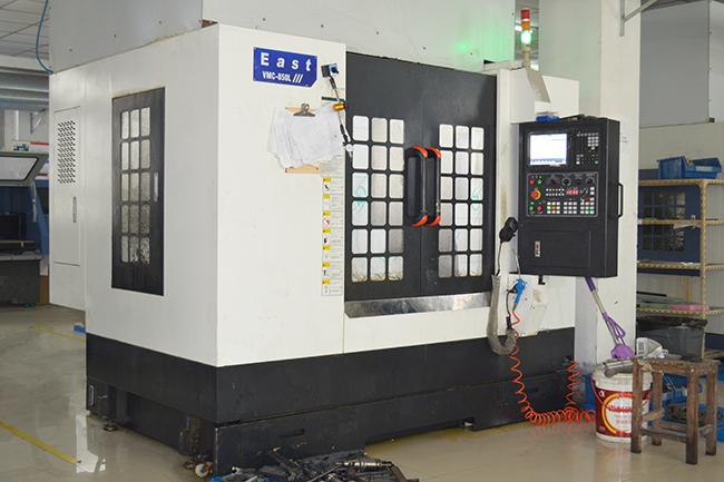 碳纤维生产设备——立式加工中心