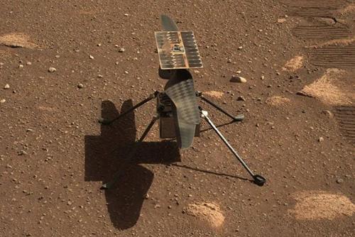 """""""机智""""号直升机在火星首飞,碳纤维打造"""