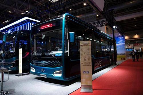 我国首辆碳纤维复合材料地铁巴士亮相